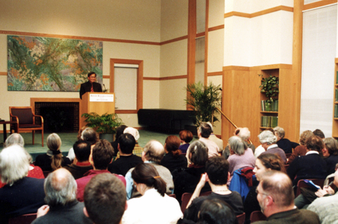 Walden Bello speaking at Ikeda Center